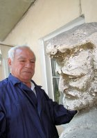 Аваков Владимир Саркисович – скульптор, член союза армянских художников Грузии, активный член армянской общины Тбилиси