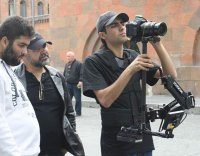 Аршак Закарян - кинорежиссер и сценарист, Георгий Овакимян - актер театра и кино, Давид Арутюнян - видео-оператор и режиссер